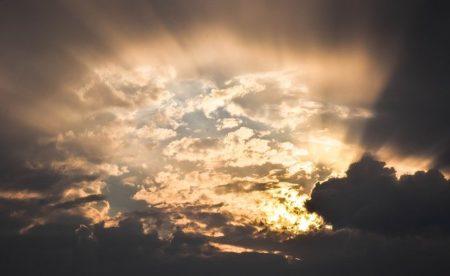 愛のない真実が露わになる時~宇宙を味方につけて運を掴むには・・・