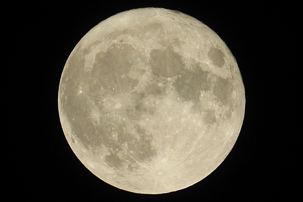 今必要なのは人との支え合い!絆を深めるスーパームーン天秤座満月